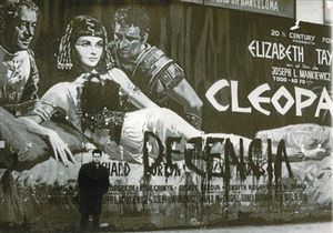 Censura 8 El cartel del estreno de Cleopatra en 1964, 'adecentado' por ultras católicos en Barcelona.