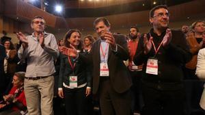 Javier Fernández y otros dirigentes del PSOE en el foro de presentación de la ponencia política.