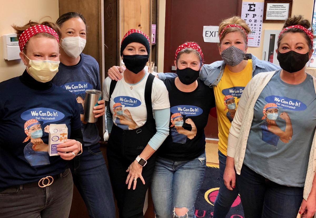 El grupo de voluntarias que ha ayudado a la campaña de vacunación en EEUU