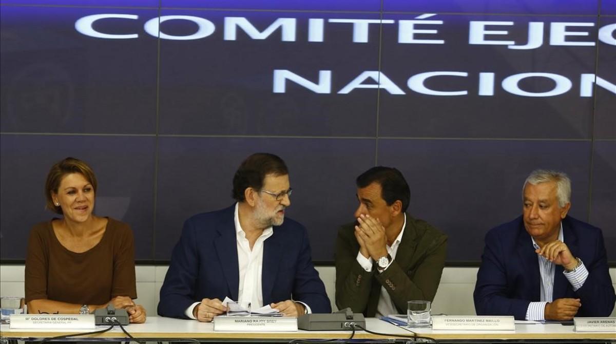 Mariano Rajoy y varios integrantes de la cúpula del PP en la reunión delcomité ejecutivo conservador.