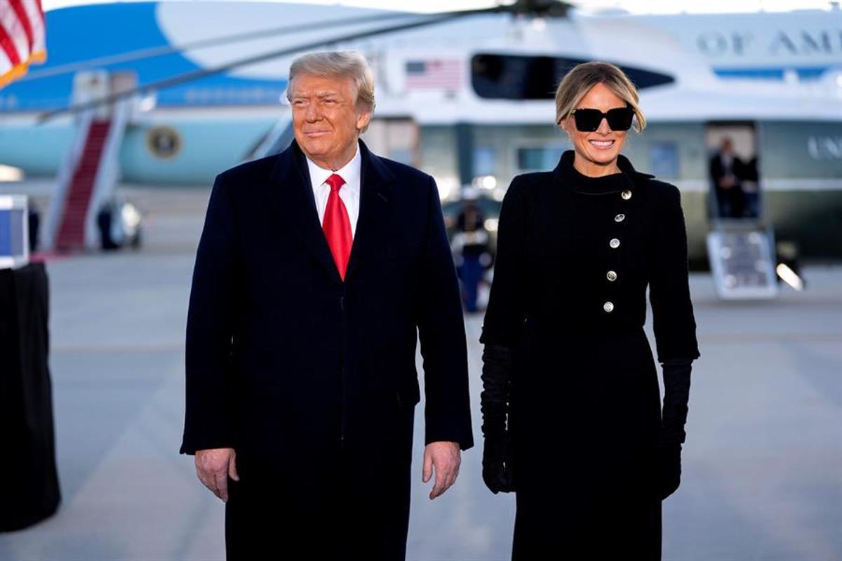Trump y su esposa Melania, el miércoles pasado en la base aérea de Maryland.