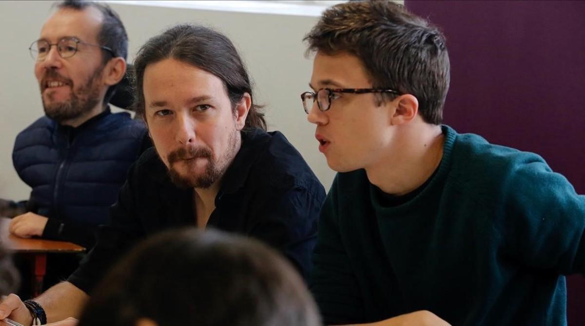 Iglesias y Errejón al inicio del Consejo Ciudadano Estatal, en la sede de Podemos (Madrid).
