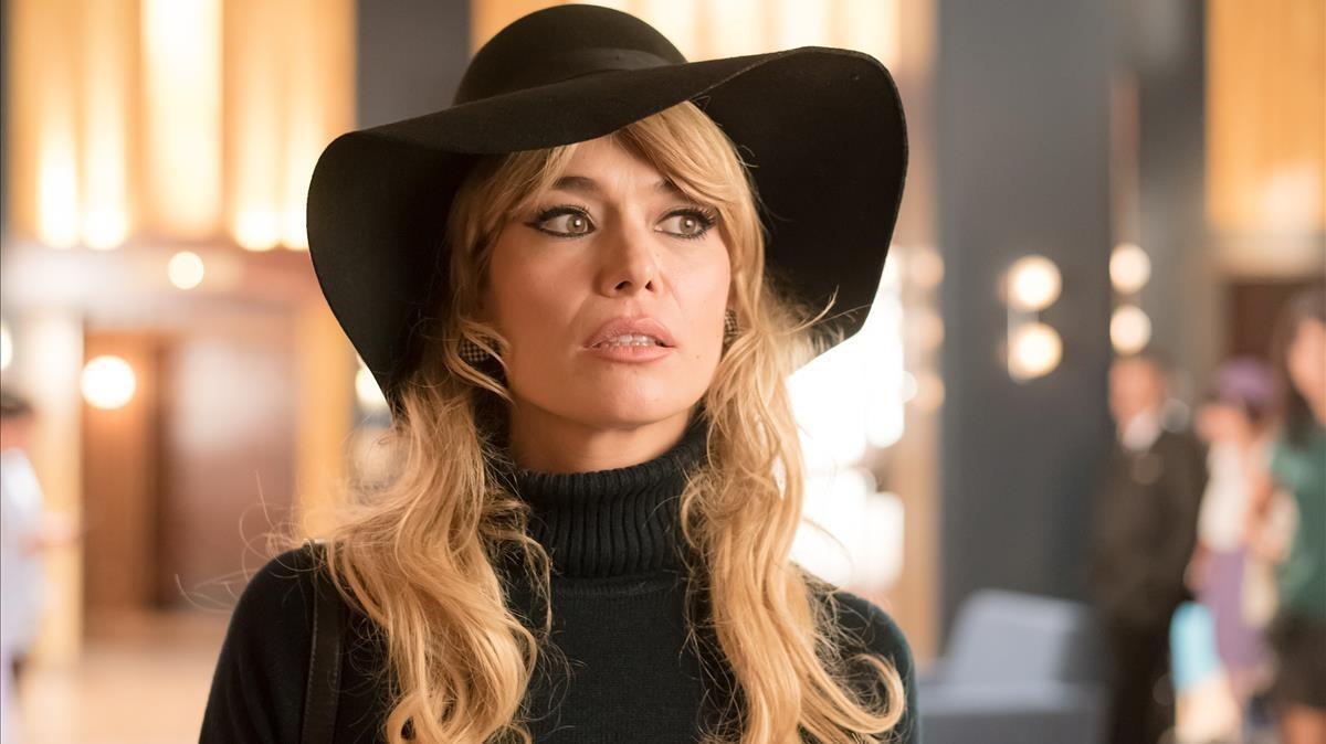 Patricia Conde, en el papel de Brigitte Bardot, en 'Velvet colección'.