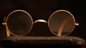 Unas gafas Windsor que pertenecieron a John Lennon.