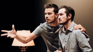 Escena de 'Kràmpack', en el Aquitània Teatre.