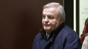 El expresidente de Osasuna Patxi Izco se dirige al despacho del juez Fermín Otamendi a prestar declaración.