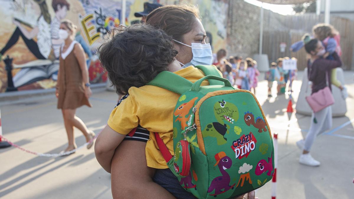 Primer dia en el colegio Josep Madrenys en Vilobí d'Onyar