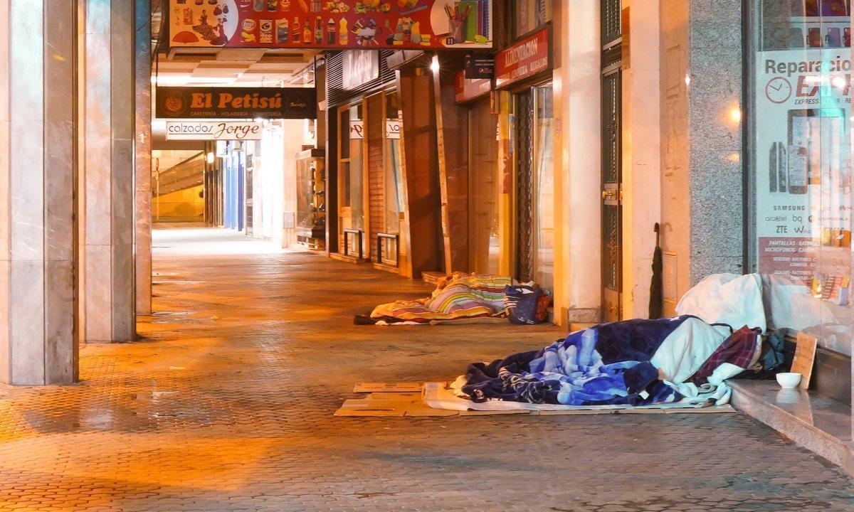 Personas sin techo en Sevilla.