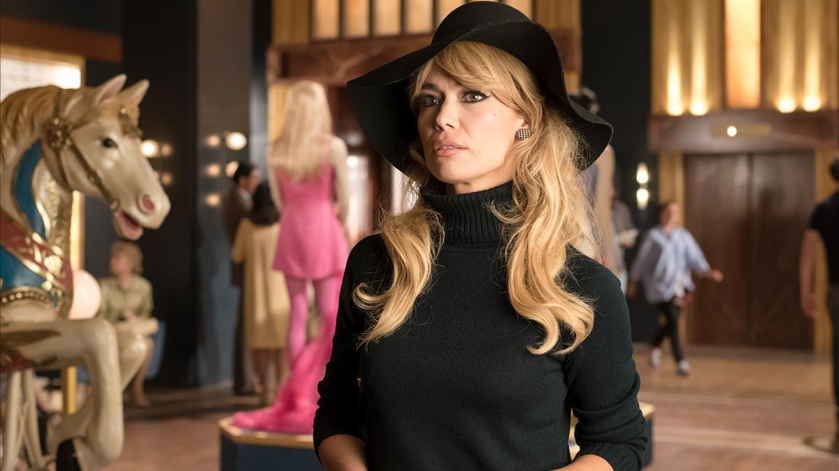 La actriz Patricia Conde, como Brigitte Bardot, en 'Velvet colección'.