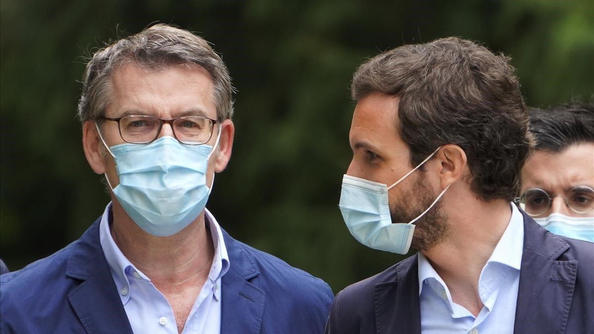 Feijóo y Casado, durante la presentación de la candidatura del PP en Galicia, el pasado 22 junio, en Santiago de Compostela.