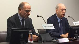 Enrico Letta, izquierda, con Joan Josep Brugera, en el Cercle d'Economia.