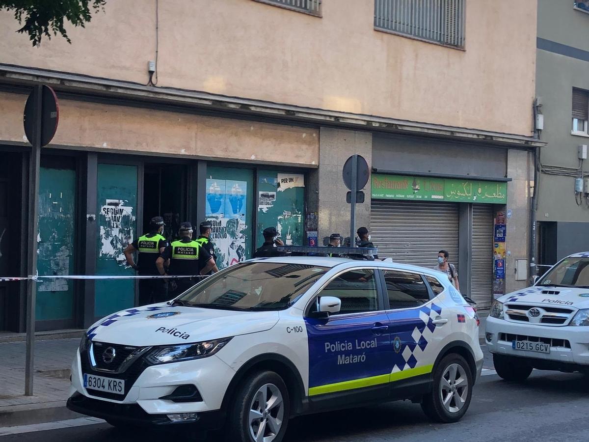 Policía local de Mataró.