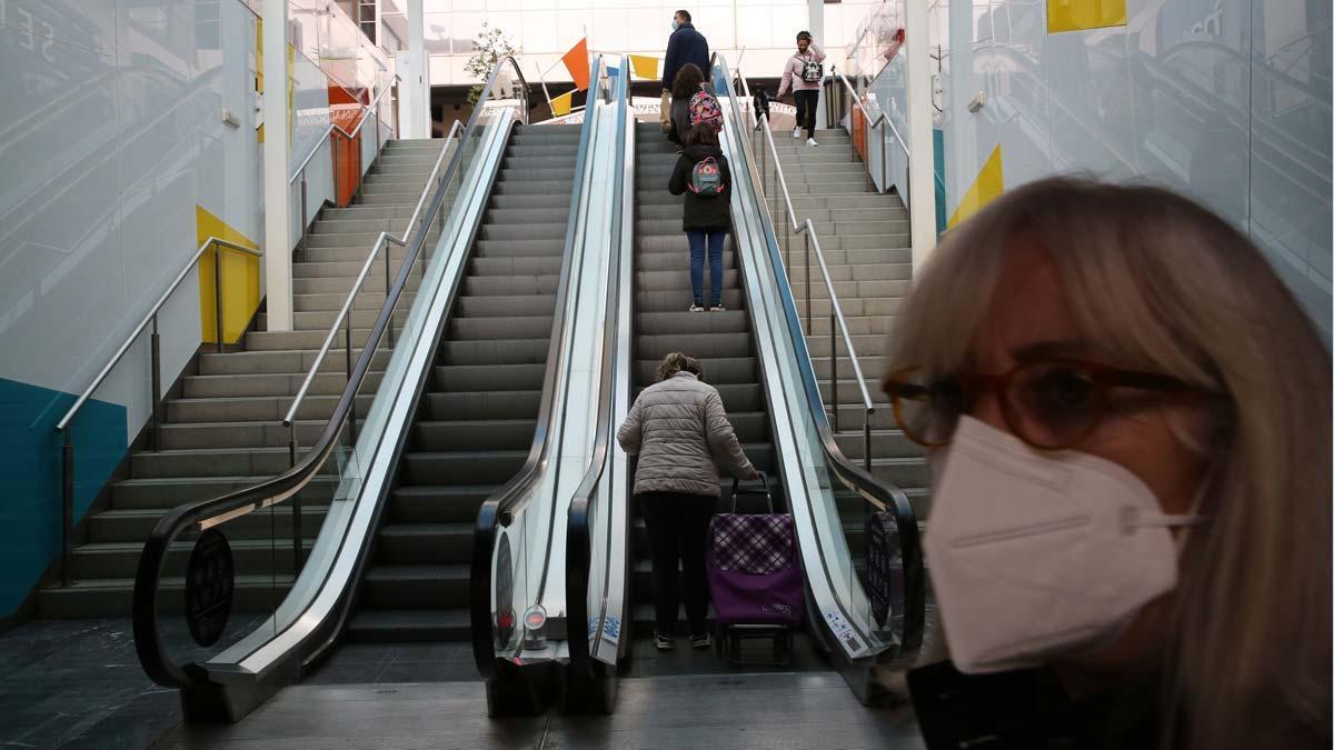 Compras en el centro comercial Glòries, en Barcelona.