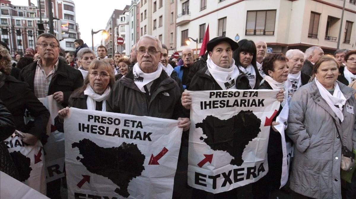 Manifestación a favor del acercamiento de presos a Euskadi, en Bilbao en noviembre del 2014.