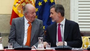 El rey emérito Juan Carlos I, junto a su hijo, el rey Felipe VI, el pasado día 14.