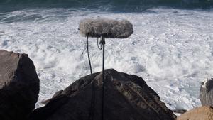 Imagen de las grabaciones de Edu Comelles en el litoral donostiarra en 2016