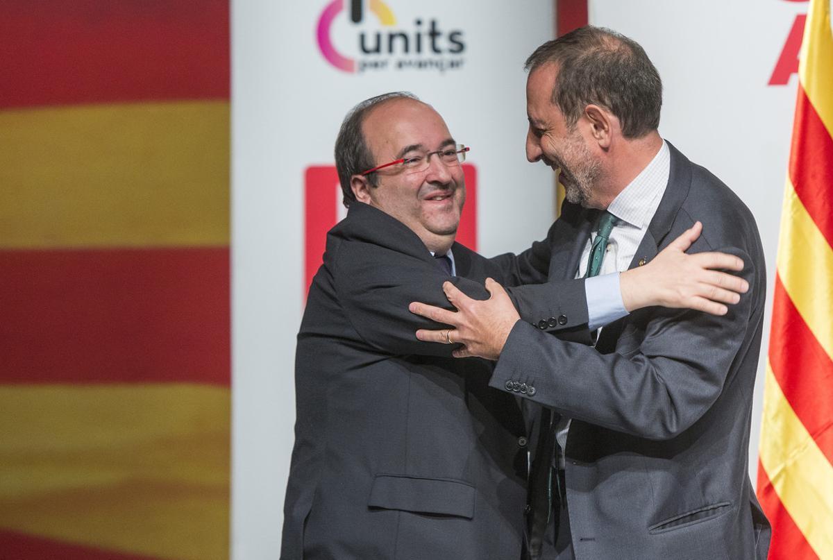 Miquel Iceta y Ramon Espadaler, en un acto de campaña del PSC en L'Hospitalet de Llobregat.