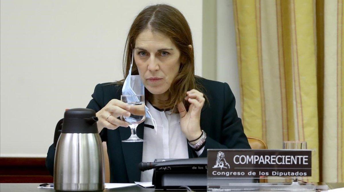 Paula Conthe, candidata del Gobierno a presidir el Fondo de Reestructuración Ordenada Bancaria (FROB), en la comisión de asuntos económicos del Congreso.