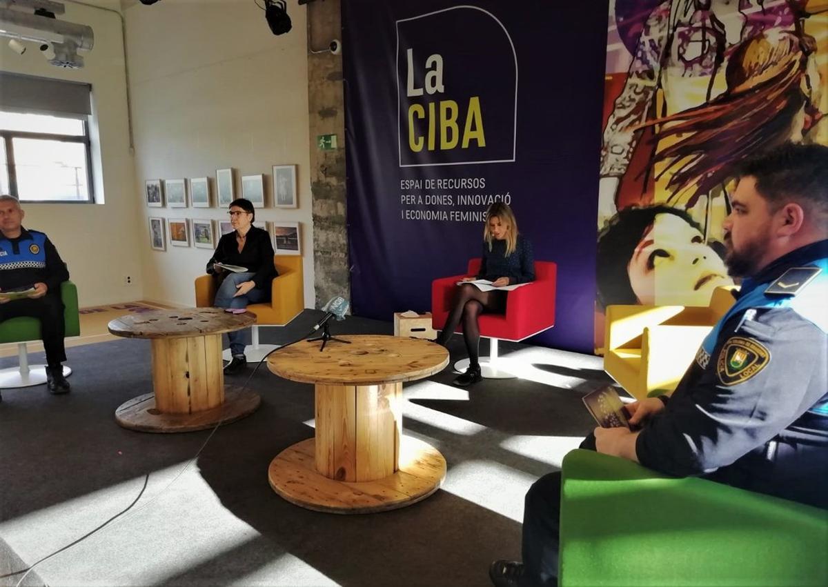 Agents 'lila' vetllaran per les víctimes de la violència masclista a Santa Coloma