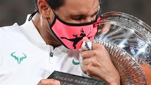 Nadal destrossa Djokovic a Roland Garros