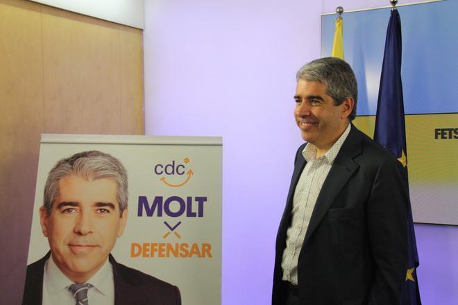 Francesc Homs, durante la presentación de su cartel de campaña para las elecciones del 26-J.