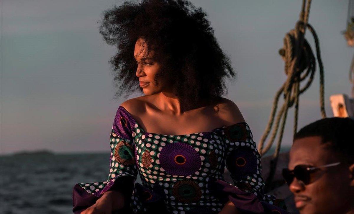 Fotograma de la serie de Netflix Africa 'Queen Sono', protagonizada por Pearl Thusi Otorgar.