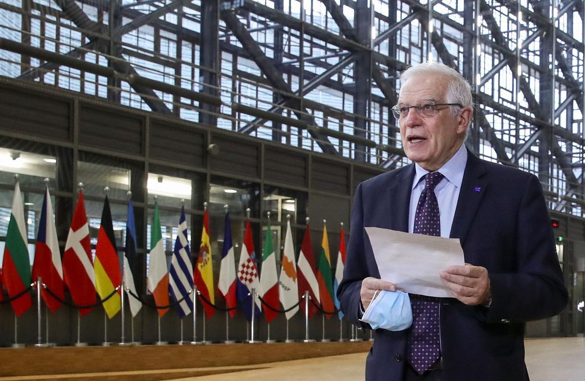 Josep Borrell a su llagada hoy a la reunión de ministros de Exteriores de la UE.