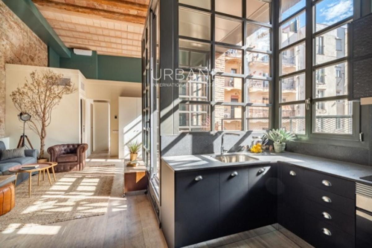 ¿Con cuál de estos pisos de 3 dormitorios en El Raval te quedarías?