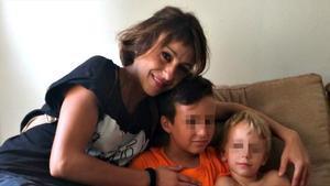 Juana Rivas y sus hijos, con los que se escondió durante un mes para no devolvérselos a su padre italiano, condenado por maltrato.
