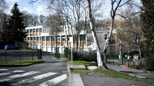 La entrada del colegio Pont de Bois en Saint-Chéron
