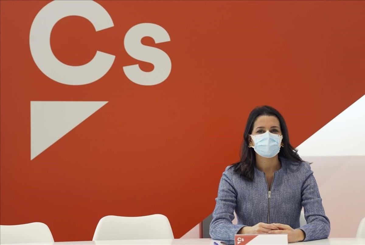Inés Arrimadasdurante la reunión del ComitéPermanente de Ciudadanos.