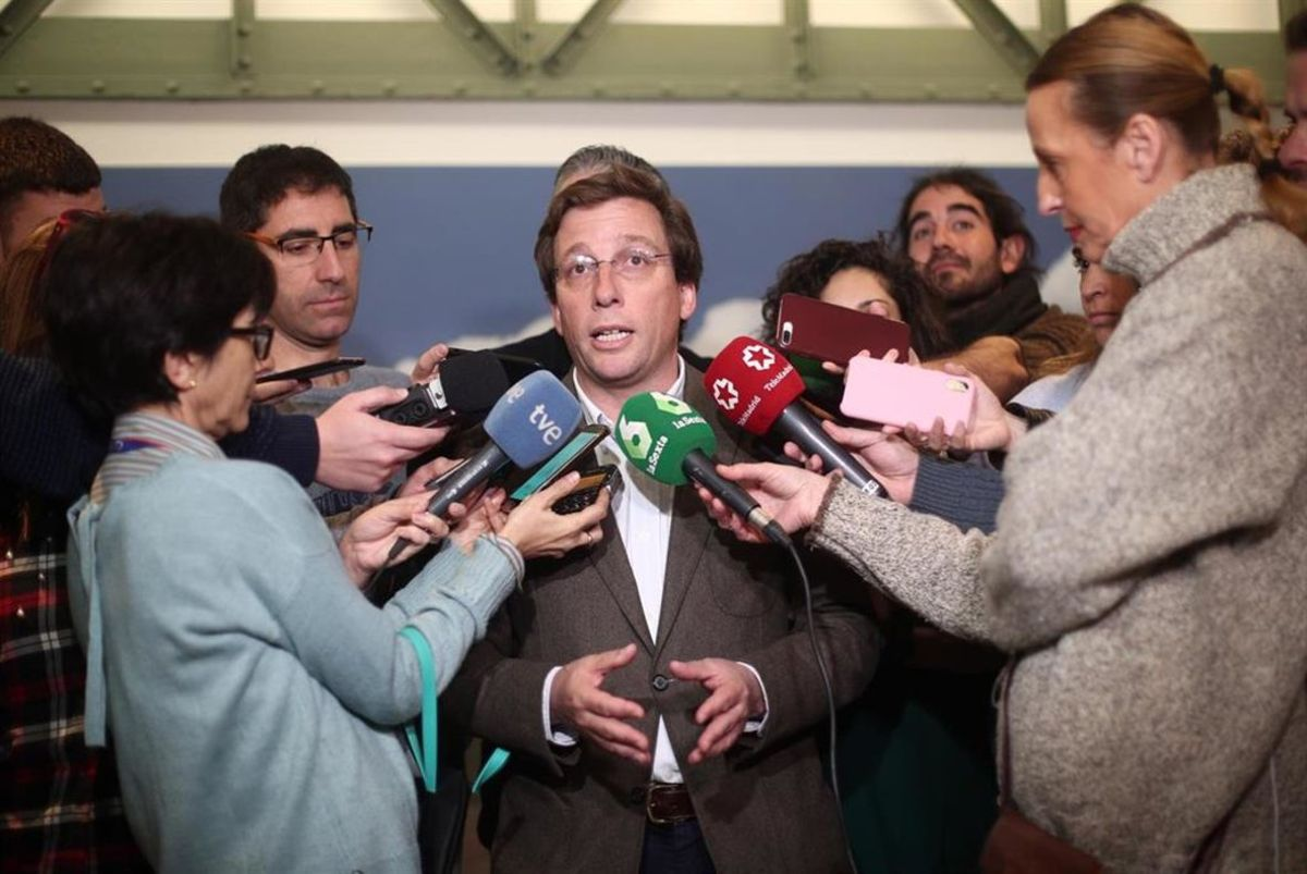 El alcalde de Madrid, Martínez Almeida, ante los medios.