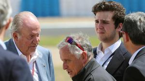 El rey Juan Carlos acompañado de su nieto Felipe Juan Froilán durante su asistencia a las carreras del Gran Premio de España disputado en el circuito de Jerez de la Frontera, en mayo del 2019.