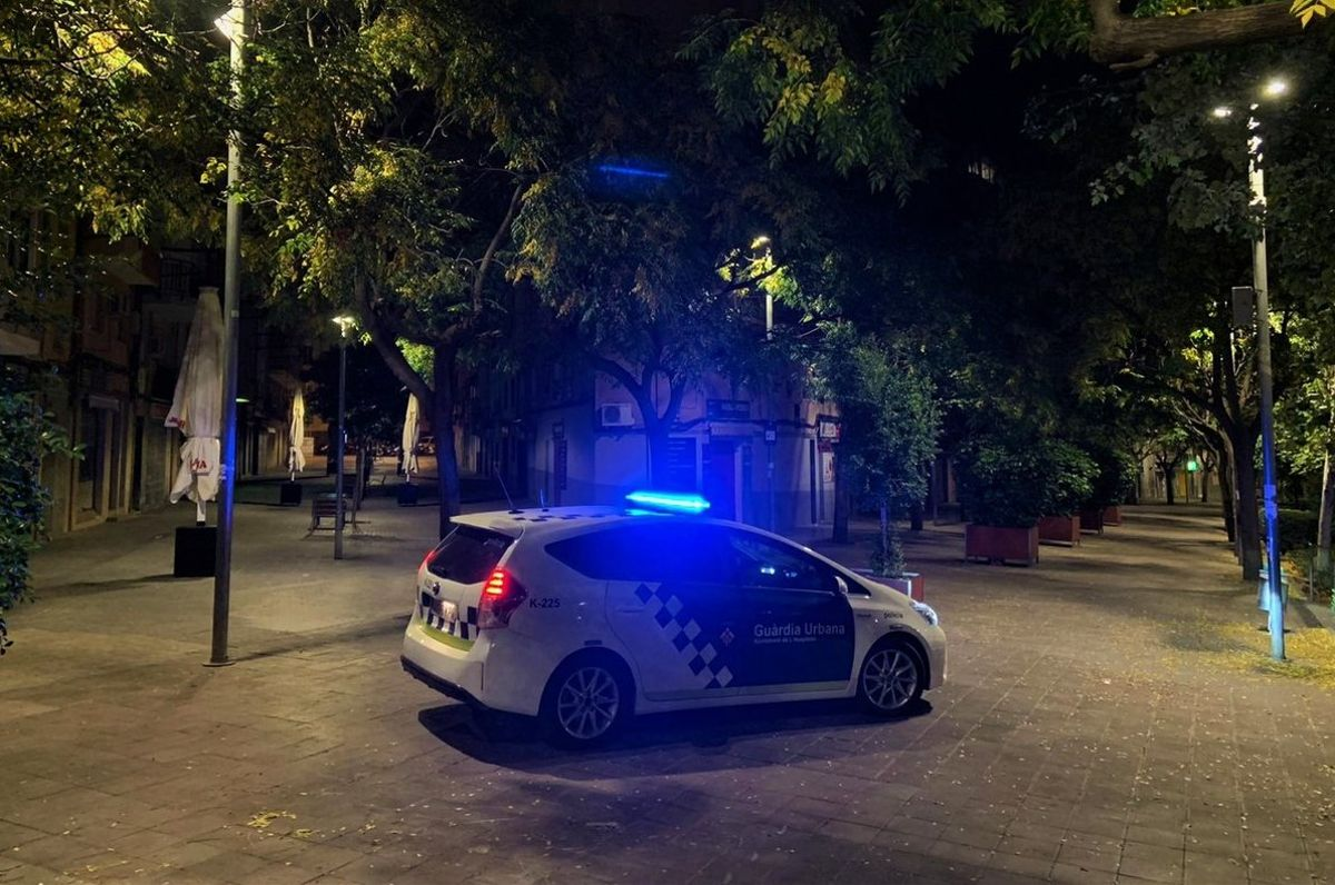 Un coche de la Guardia Urbana de L'Hospitalet de Llobregat.