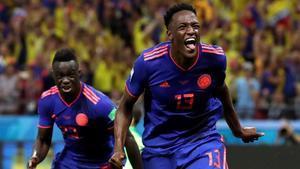Yerry Mina celebra el gol marcado ante Polonia