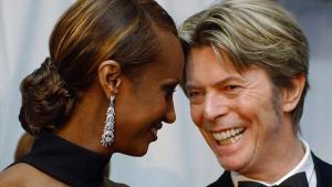 Iman y David Bowie, en un acto benéfico en Nueva York, en el 2002.