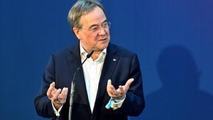La direcció de partit de Merkel recolza Armin Laschet per succeir la cancellera