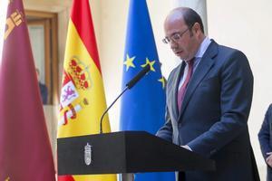 Pedro Antonio Sánchez anunció su dimisión el 4 de abril de 2017.