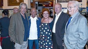 De izquierda a derecha, Paco Ibáñez, Salvador Távora, Rosa Gil, Jaume Sisa y Oriol Bohigas.