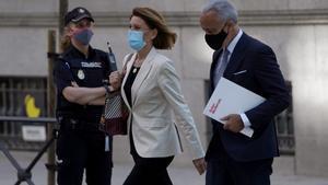 El jutge deslliura del banc d'acusats Cospedal i el seu marit en l'operació Kitchen