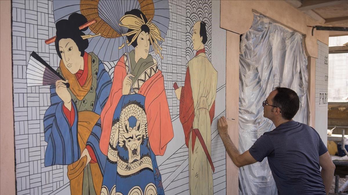 L'icònic drac de la Casa dels Paraigües rejoveneix més d'un segle