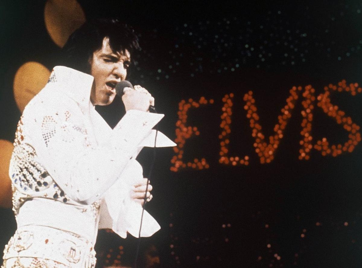 Elvis Presley, durante un concierto en 1972.