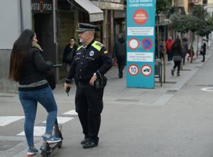 El objetivo de la campaña de la Guardia Urbana ha sido informar y aplicar las normas e instrucciones dictadas el año pasado por la Dirección General de Tráfico.