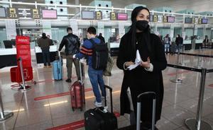 Nisrine, la prima de Amine, antes de emprender el vuelo de regreso a Casablanca.