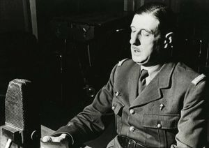 De Gaulle, durante un discurso en la BBC el 31 de octubre de 1941, en Londres.