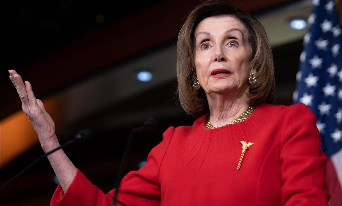 Nancy Pelosi rompe el confinamiento para ir a un salón de belleza