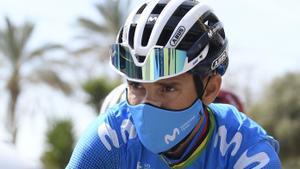 Alejandro Valverde, camino de la salida en la Volta.