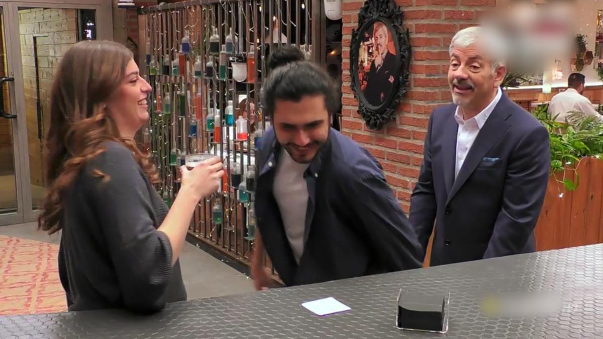 Teresa, Diomar y Carlos Sobera en 'First Dates'.