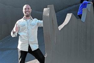 Record d'infància 8 L'humorista Andreu Casanova, al drac del parc de l'Espanya Industrial.