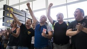 Protesta de trabajadores de Eulen en el aeropuerto de El Prat.